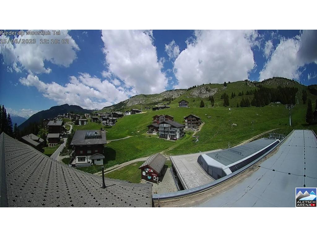 http://www.webcam-4insiders.com/current/big/105-Webcam-Riederalp-Wetter.jpg?t=1450009668